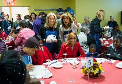 Kathie Lee NY Rescue Mission Thanksgiving